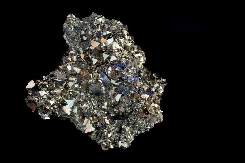 Pyrite (FeS2) - Octahedral crystals - Bolivia